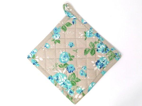Set von Topflappen und -handschuh im blumigen Design von Linen & More, Design Emmy blue/beige