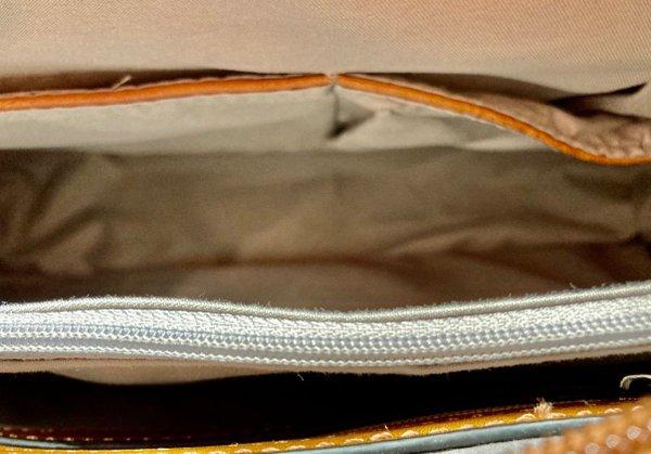 Geräumige Handtasche, klassische Form mit langen Henkeln