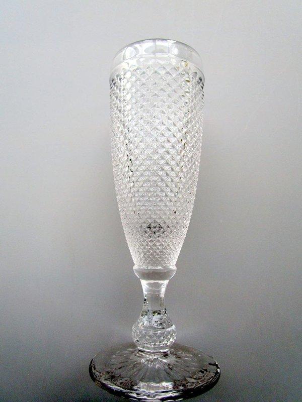 Glas Sektglas Champagnerglas Sektflöte Alyssa klar mit aussergewöhnlichem Rautenmuster